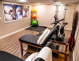 Photograph of exercise equipment at Moveo Sport and Manual Physiotherapy clinic in Orléans, Ottawa